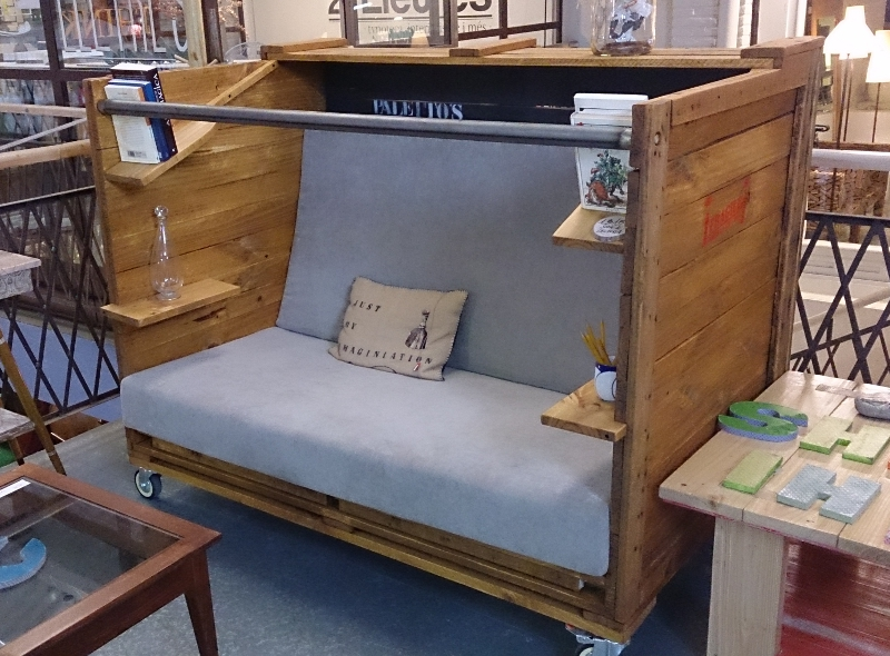 Paletto s furnature sill n transport for Muebles para guardar libros